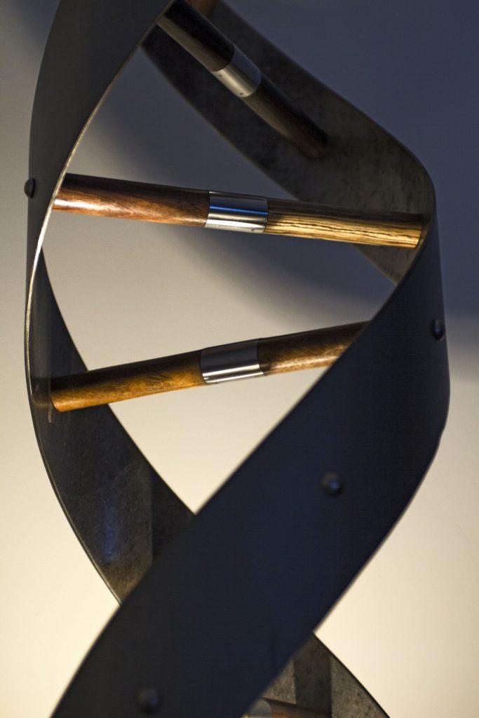 mobilier et meuble sur-mesure Nantes lampe luminaire led design conception fabrication Coueron Carquefou Clisson Vertou métal bois