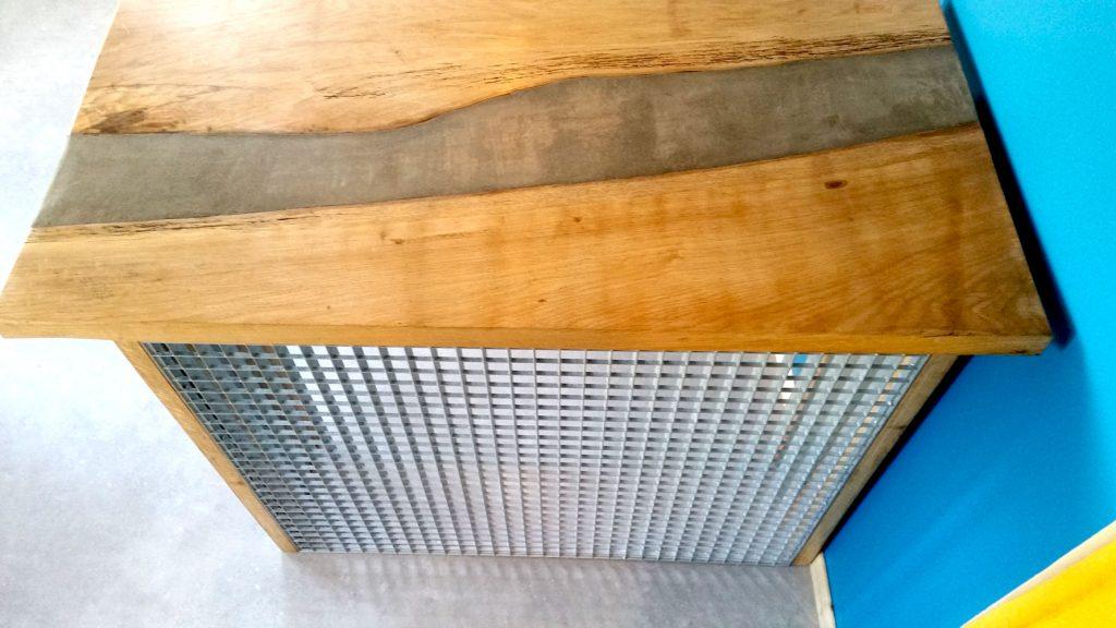 design et fabrication d'un bar sur-mesure à Nantes, bois et métal , carquefou, saint herblain, les sorinieres, vertou, goulaine, clisson