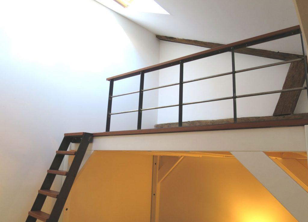 Exemple de Mezzanine sur-mesure métal et bois à Nantes - Menuiserie ...